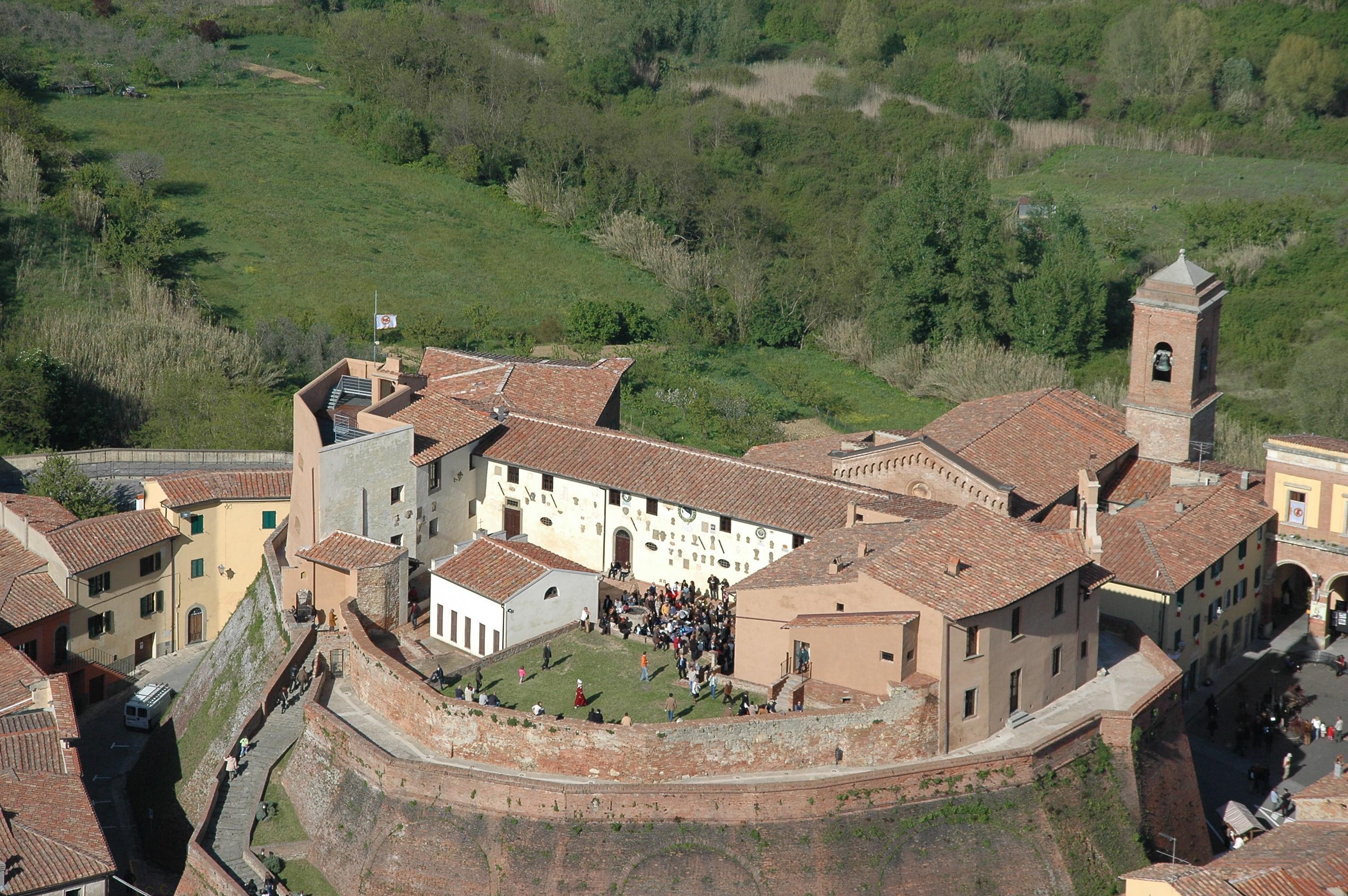 Casciana Terme Lari | Castello dei Vicari di Lari