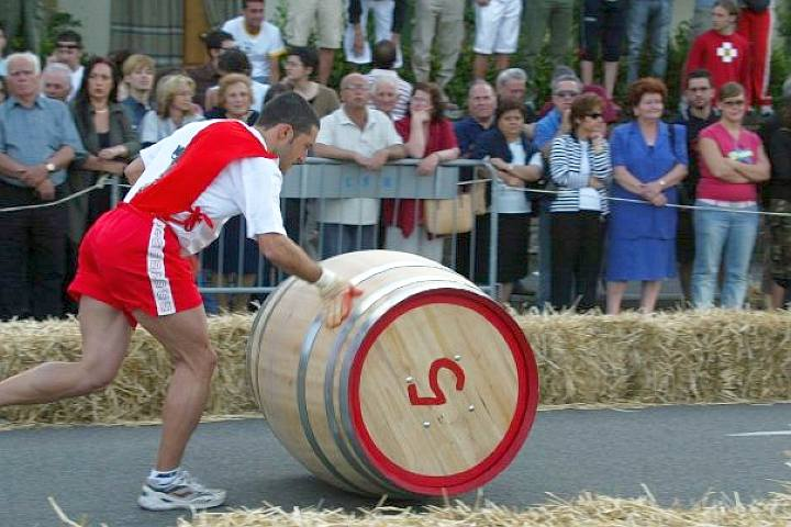"""Palio del Cuoio, Corsa delle botti – The barrels race"", 32nd edition"