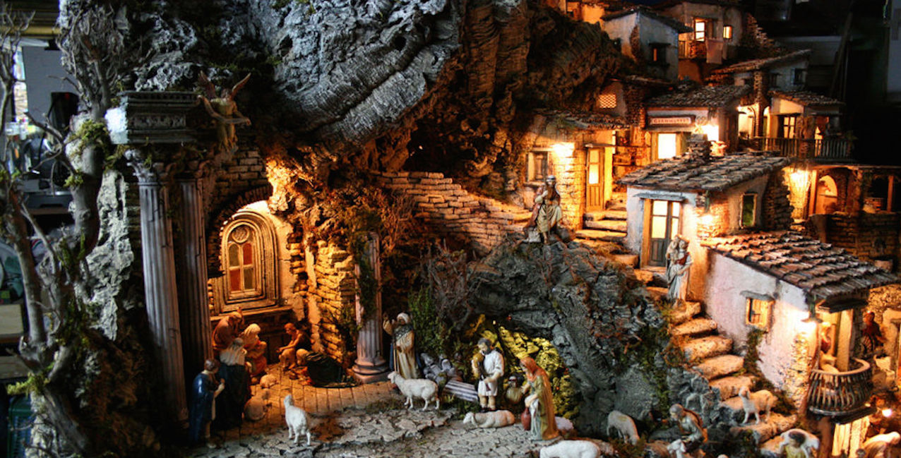 The Angel's Nativity Scene | Vicopisano