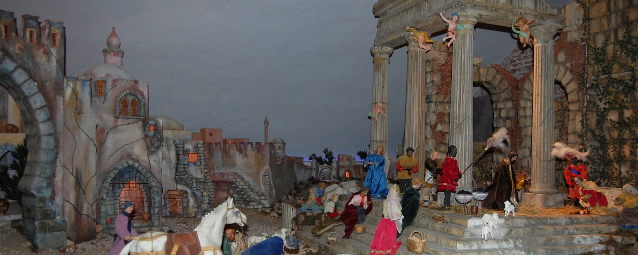 Opening the Meucci's Historical Nativity Scene Animated | Calci