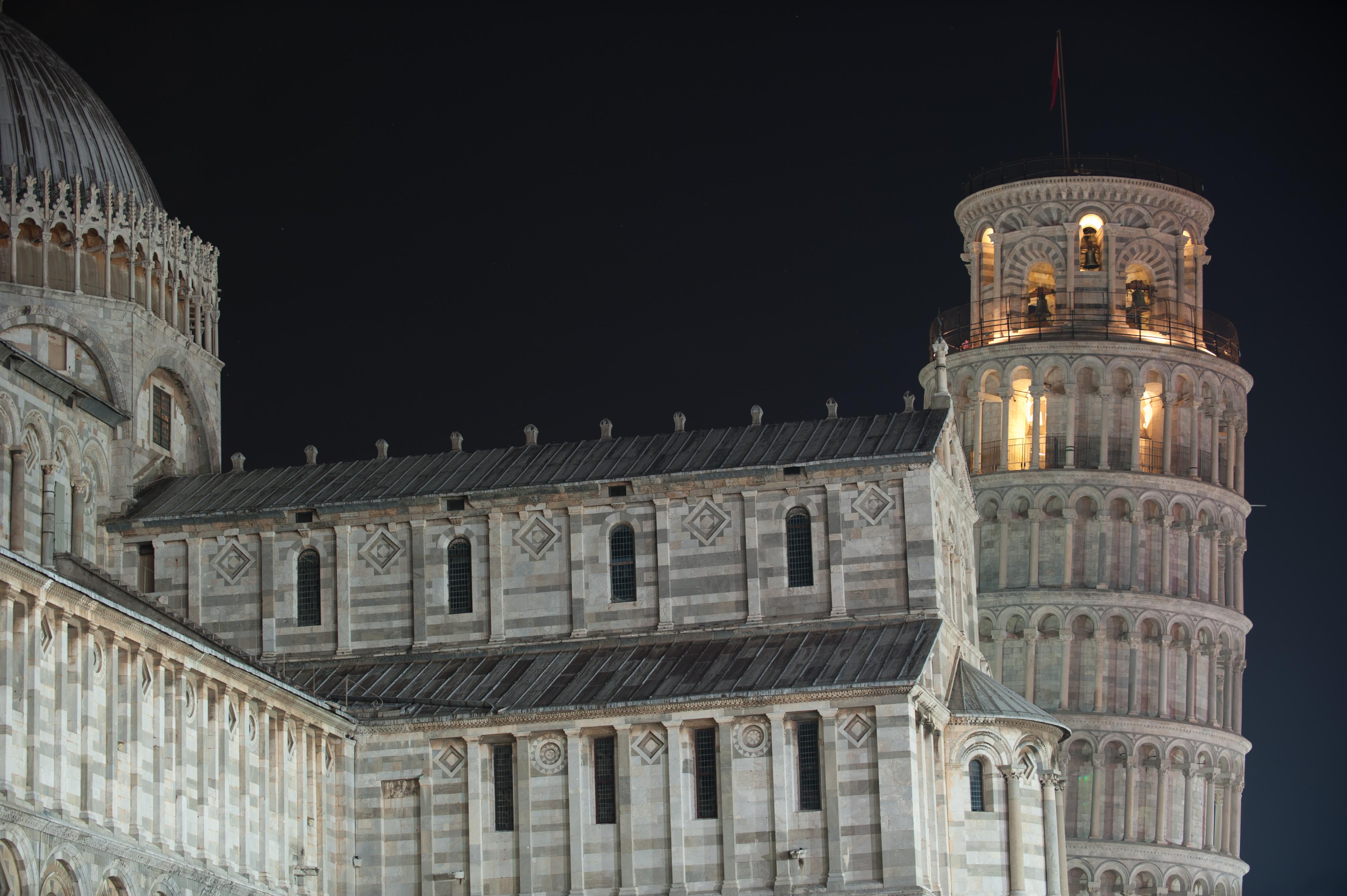 Notte Internazionale della Luna: serata in Piazza dei Miracoli a Pisa