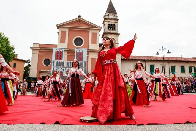 Festa di Santa Croce – Festa dei Rioni | Casciana Terme