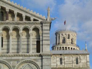 romanico pisano duomo torre