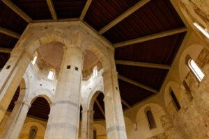 san sepolcro chiesa pisa interno
