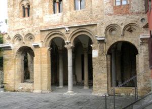 san zeno loggiato pisa abbazia