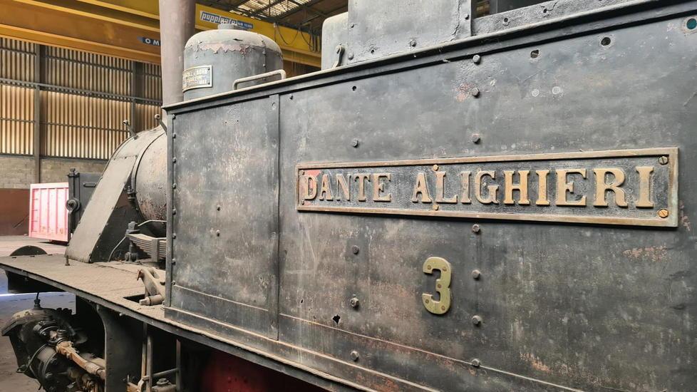 The historic Trammino locomotive returns to Marina di Pisa